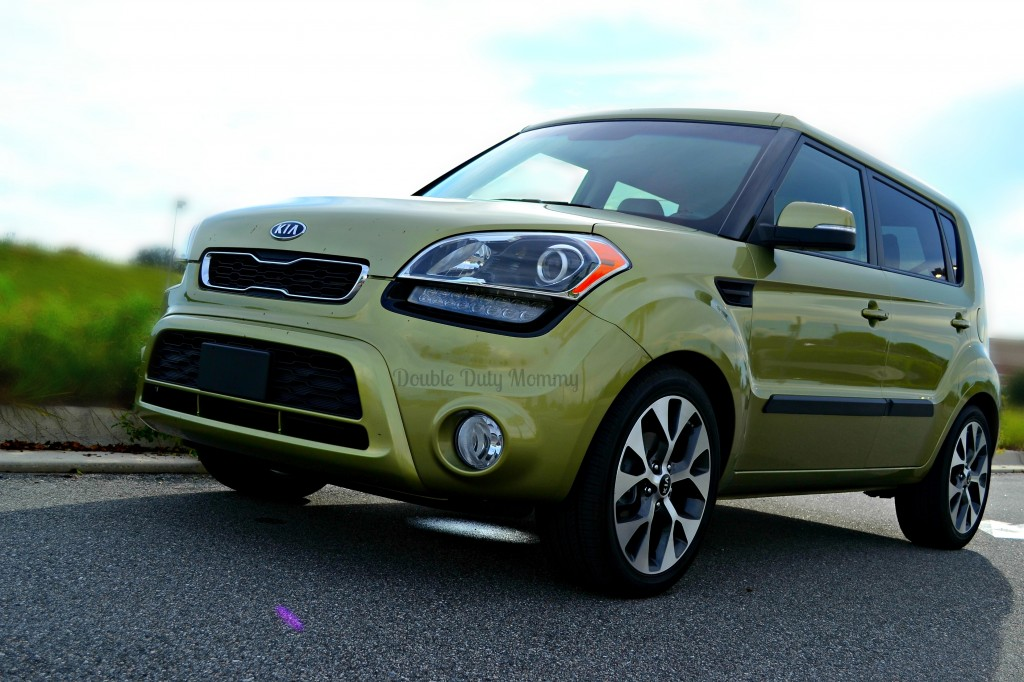 ... Review Is About $22,800) Offering 5 Seats And Some Cool Upgrades With  The 2012 Model Year Kia Hopes To Get Even More Onboard Its Soul Bandwagon.