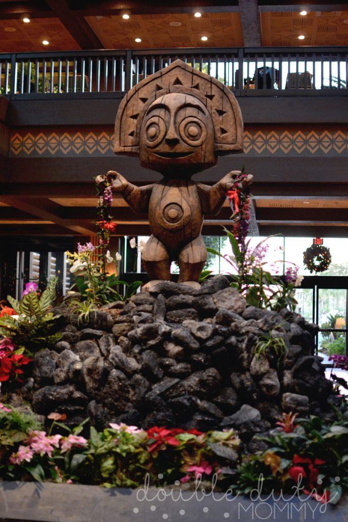 disneys-polynesian-resort-entrance