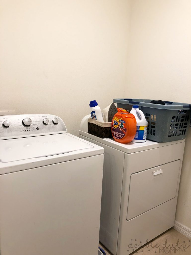 DIY Laundry Room Makeover via DoubleDutyMommy - before